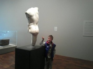hunter-makes-sculpture-the-butt-of-a-joke